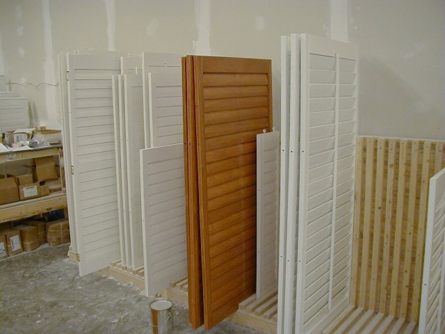 Showroom of custom window shutters, drapery and window treatments in Nashville, TN, Brentwood and Franklin, TN, mini blinds, roller shades and more at Blinds & Designs!