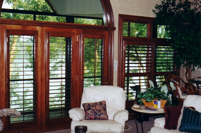 Window coverings and shutters in Nashville, TN, Brentwood, TN and Franklin, TN, drapery and window treatments at Blinds & Designs.