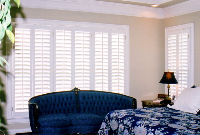 Window coverings and shutters in Nashville, TN, Franklin, TN and Brentwood, TN, drapery and window treatments at Blinds & Designs.