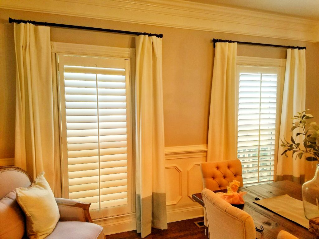Window coverings, shutters and drapery in Nashville, TN, Franklin, TN and Brentwood, TN, blinds, roller shades and more from Blinds & Designs.